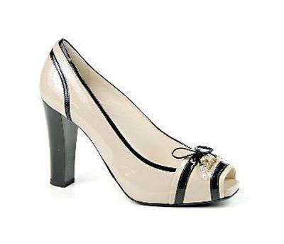 женские туфли в молочном цвете Giovanni Fabiani